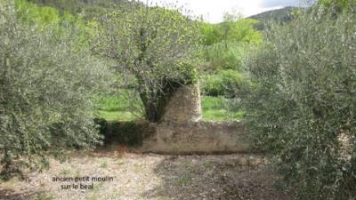 Ancien petit moulin sur le beal